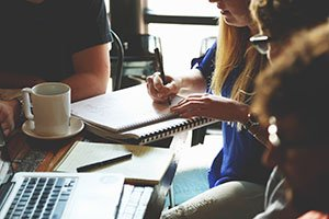 5 Factors to Consider Before Starting a Franchise
